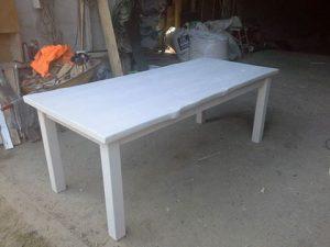 valkovahpöytä